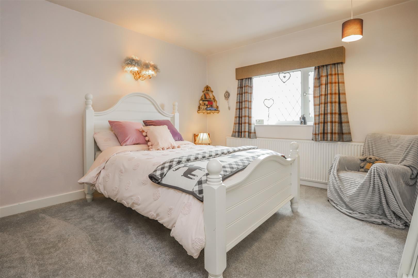 3 Bedroom Detached House For Sale - 36.JPG